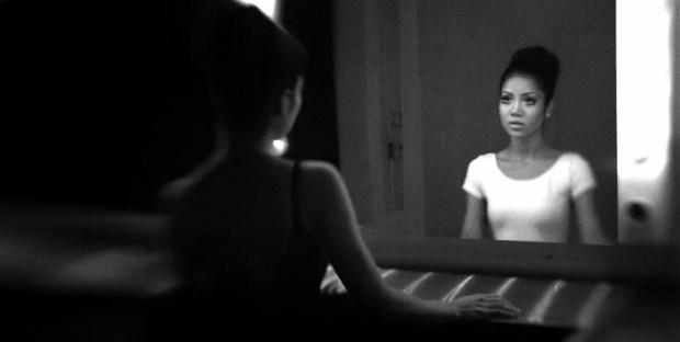 Jhene Aiko Mirrors